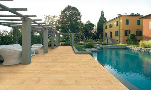 PAVIMENTI PER ESTERNI : Pavimenti per esterni in gres porcellanato, in klinker e in cemento.
